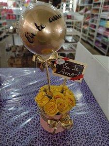 Cachêpo com 12 Rosas Amarelas com Balão colorido