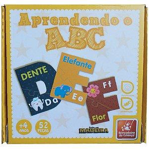 Brinquedo Pedagógico Madeira Aprendendo O Abc C/52 Pecas Brinc. De Crianca