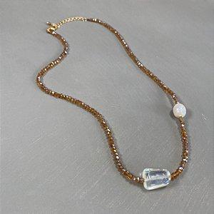 Colar curto de cristais tchecos lapidados , peça de vidro(tipo murano) ao centro e pérola barroca.