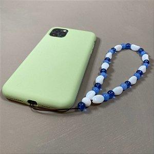 Phone Strap com peças de vidro(tipo murano) branco e azul.