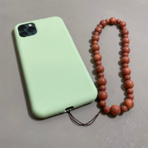 Phone Strap com esferas de vidro (tipo murano) marrom.