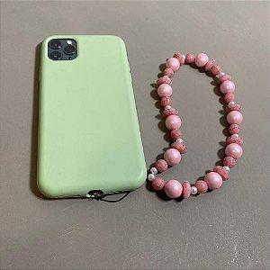 Phone Strap com peças em polímero rosa fosco , rajadas e pérolas.
