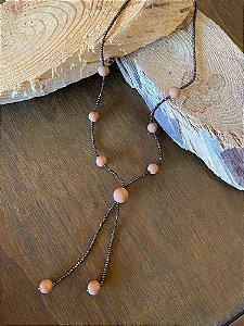 Colar longo de cristais tchecos lapidados e esferas de murano.