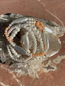 Conjunto de pulseiras de pérolas pequenas e médias,peças em polímero e cristais tchecos lapidados.