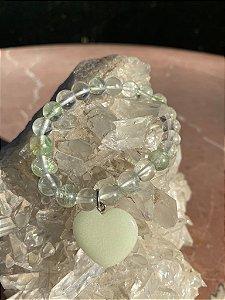 Pulseira de pedras ágata verde e pingente de coração pedra jaspe verde.