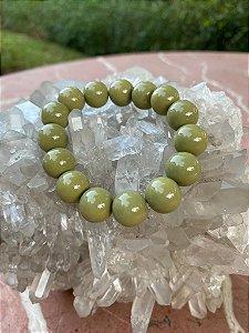 Pulseira esferas de murano cor verde musgo.