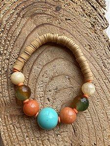 Pulseira de borrachinhas indianas cru, esferas de vidro (tipo murano) e pedras naturais.