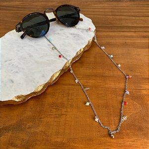 Cordão de óculos e cordão de máscara de metal banhado prateado e pingentes de cristais tchecos lapidados multicores.