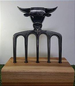 Garfo para churrasco touro prata personalizável com 5 dentes e base de madeira