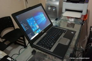 *D6309* Notebook com Serial DB9 Dell Latitude D630 Intel Core 2 Duo 2.0Ghz HD 320GB 2GB, FireWire 1394, SmartCard, VGA, 4 USB, Wifi, Rede Lan, Windows 10