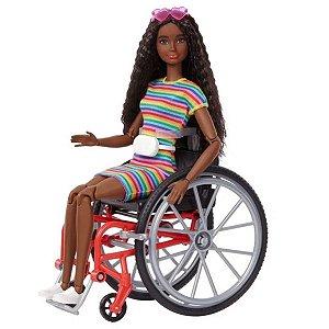 Boneca Barbie Fashionistas #166 Negra Cadeirante - Mattel