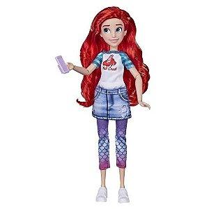 Boneca Princesas Disney Ariel Comfy Squad Hasbro
