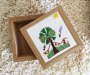 Caixa de Buriti c/ Tampa Bordada Buriti