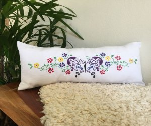 Travesseirinho Bordado Borboleta Floral