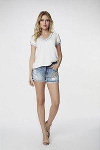T-Shirt Branca Bicolor Azul Claro