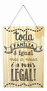 1759-Q002 Placa de madeira - Família