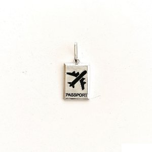 Pingente Passaporte com avião em Prata 925