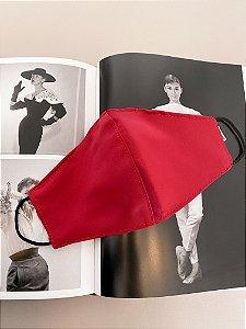 Máscara em cetim vermelho