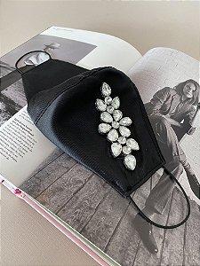 Máscara em zibeline com aplicação