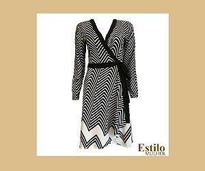 Vestido curto Preto e Branco, transpassado com estampa zebrada