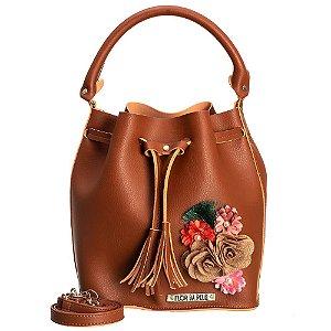 Bolsa saco em Napa Chocolate com detalhes em flores