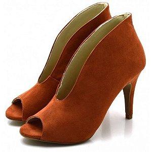 Sapato Scarpin Abotinado Salto Alto Fino Em Camurça Ferrugem Outlet
