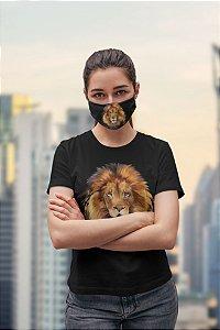Máscaras de proteção e camiseta