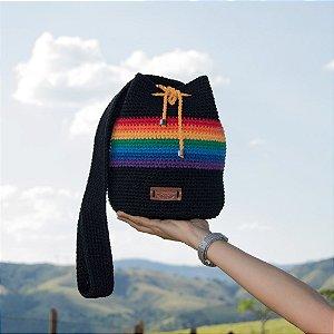 Bolsa Tiracolo Artesanal de Crochê Arco-Íris