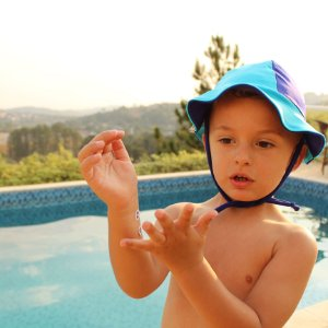 Chapéu Proteção Solar FPS 50 UV+ Tons de Azul
