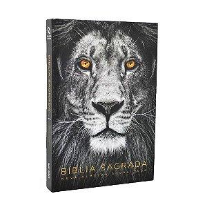 Bíblia Sagrada NAA Média Capa Soft Touch Leão Cinza