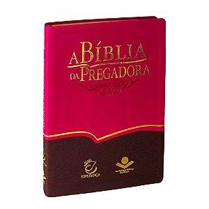 A Bíblia da Pregadora Marrom e Pink