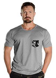 Camiseta com Bolso Militar Mescla