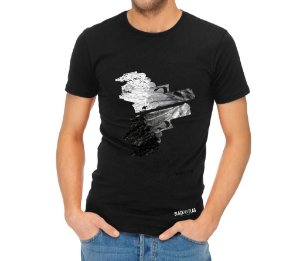 Camiseta Estampada- Duas pistolas Preta