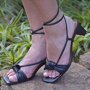 Sandália Com Amarração