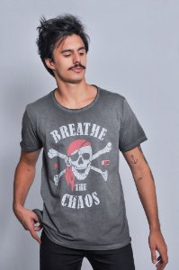 Camiseta Masculina Breathe The Chaos