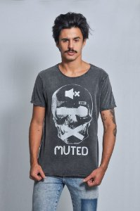 Camiseta Masculina Muted
