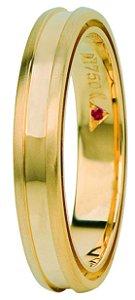 Aliança Eternn Tríade - Abaulada com Cava em Ouro Amarelo 18k