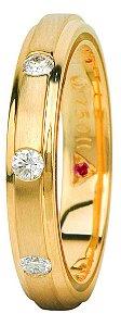 Aliança Eternn Tríade - Reta em Ouro Amarelo 18k com Faixa Central Fosca com Brilhantes