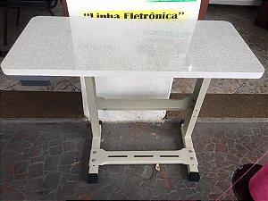 Mesa de Fórmica Lisa Para Máquina Doméstica