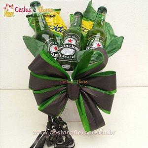 Cesta de Cerveja Heineken + Guloseimas