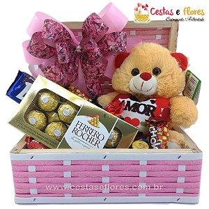 Cesta de Chocolates e Pelúcia Simpática Rosa