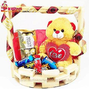 Cesta de Chocolates e Pelúcia Coração LOVE