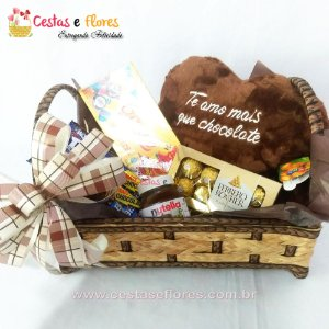 Cesta Chocolates Coração Cheirinho de Chocolate + Nutela + Ferrero