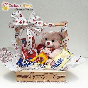 Cesta de Chocolates Urso com Coração Te Amo - AMOR