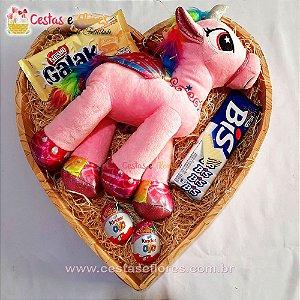 Coração de Chocolates  + Unicórnio de Pelúcia