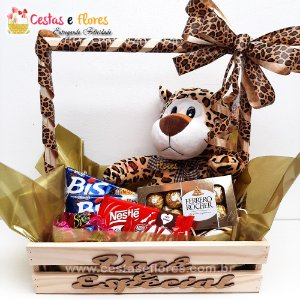 Cesta de Chocolates + Urso de Pelucia + Ferrero