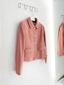 Casaco rosa envelhecido botões dourado