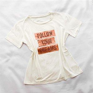 T-Shirt Delicada com Detalhes Dreams