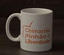 """CANECA PORCELANA """"CHIMARRÃO, PINHÃO E LIBERDADE"""""""