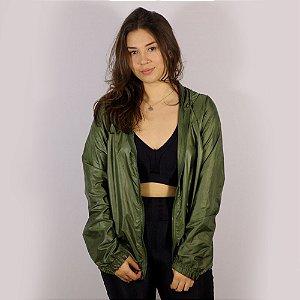 Jaqueta Corta Vento com Capuz e Bolso Feminina Básica - Verde Escuro